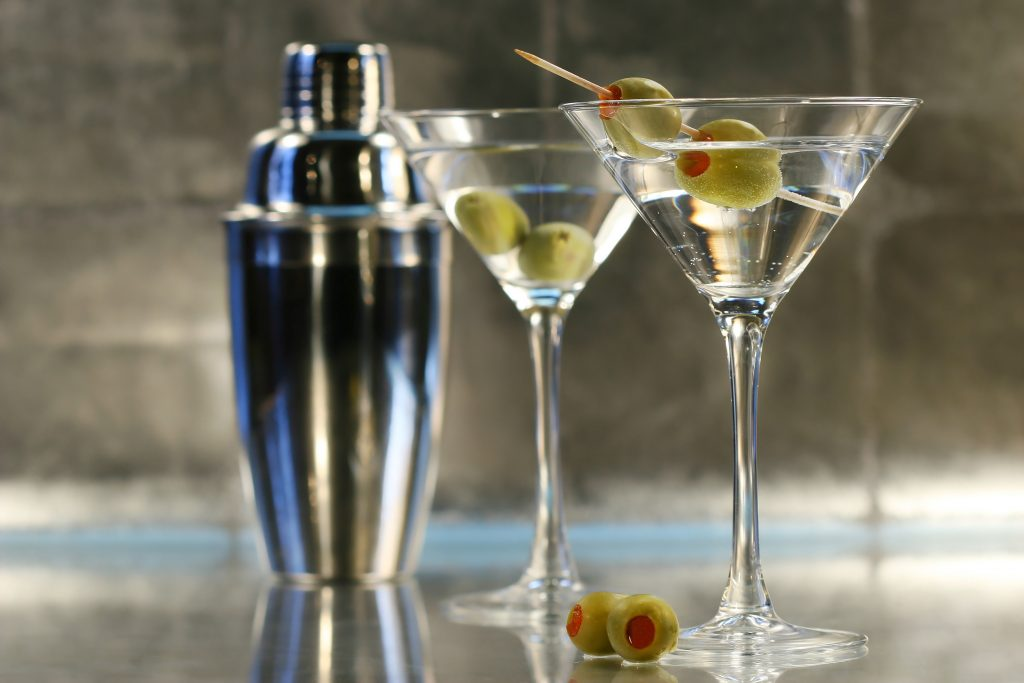 Dry Martini with olive easy cocktails to make at home