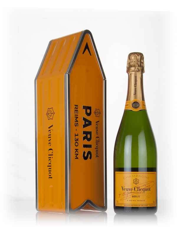 Veuve Clicquot Brut Yellow Label - Paris Clicquot Arrow